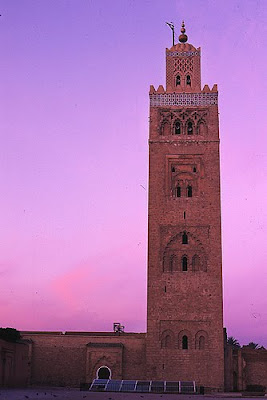 morocco minaret Best Travel News and Deals   October 13, 2009   Traveling in Morocco, Home Invading Kangaroos, Hostel Cooking, 10 Worst Hotels, Flashpacking