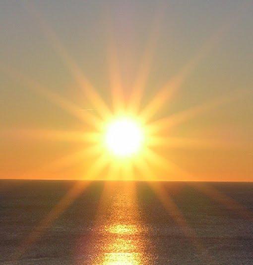 aspetto che arrivi il sole ad illuminare la mia vita... ci sono ancora troppe nuvole..