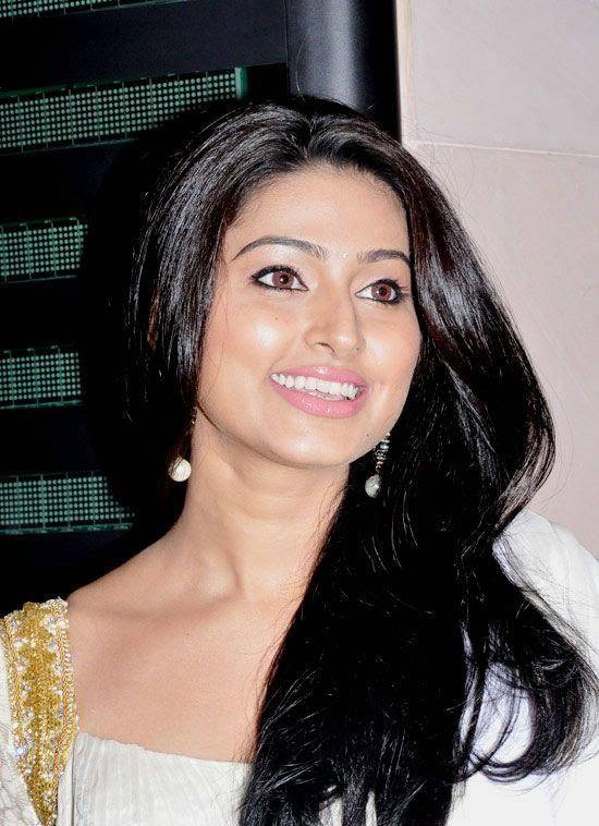 Cute Sneha in White Churidar Salwar Kameez, Latest Designer Salwar Kameez unseen pics
