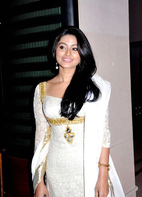 Cute Sneha in White Churidar Salwar Kameez, Latest Designer Salwar Kameez cute stills