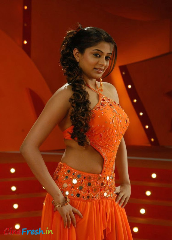 Priyamani New Hot Spicy Stills From Bet Movie cleavage