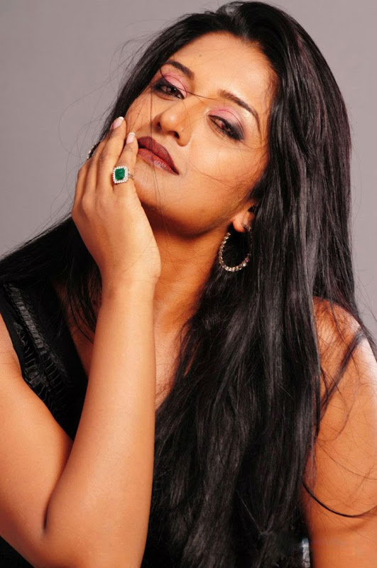 Vimala Raman New Hot Photoshoot gallery gallery pictures