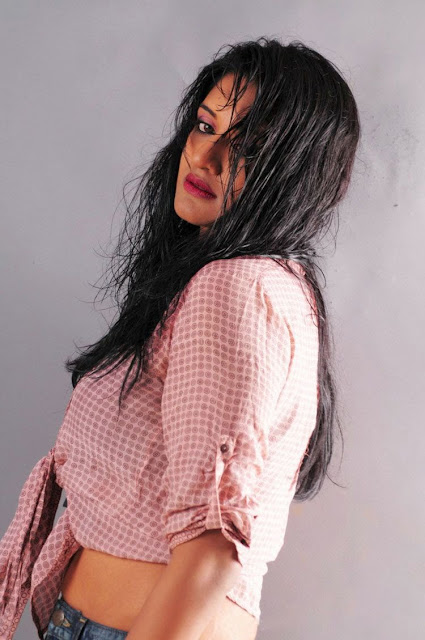 Vimala Raman New Hot Photoshoot gallery Photoshoot images