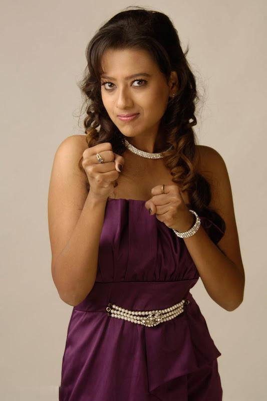 Madalasa Sharma Hot Photoshoot gallery cleavage