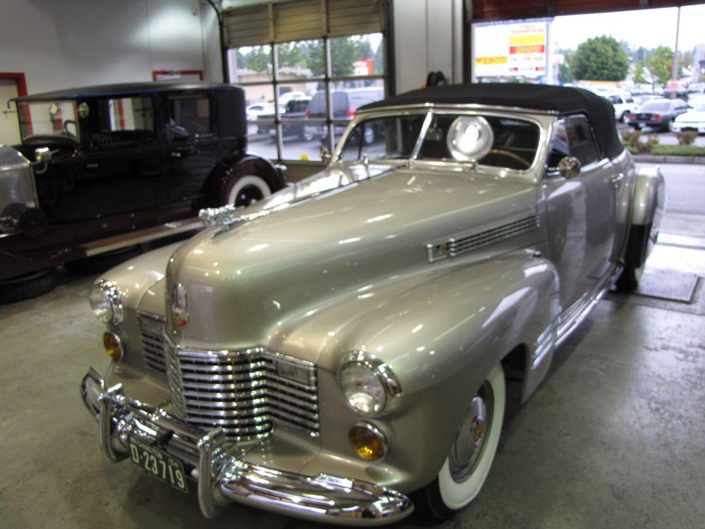 Metropolitan Detail 1941 Cadillac Concourse Detail
