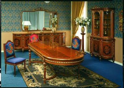 Italian Furniture on Antique Furniture Reproduction   Italian Classic Furniture    December
