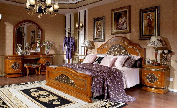 Antique Italian Classic Furniture Renaissance Bedroom