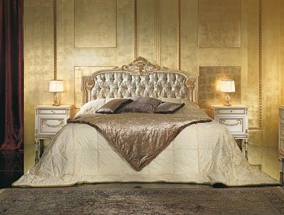 Antique Italian Classic Furniture Bedroom In Venetian Style Painted With Ivory Lacquering