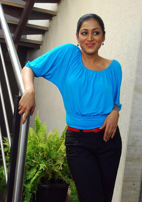padma priya looking unseen pics