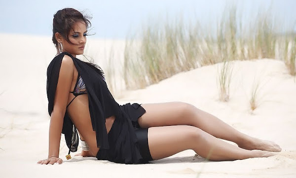 Neetu Chandra Spicy Pics sexy stills