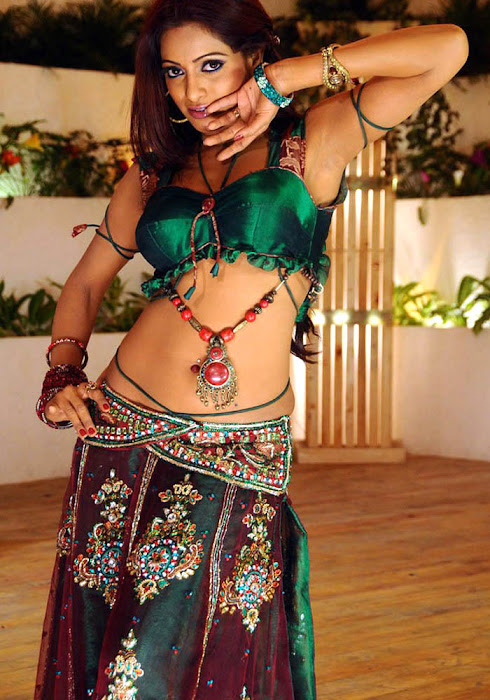 udaya bhanu from leader item song hot photoshoot