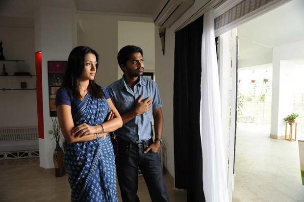 vinnaithandi varuvaya movie stills gallery trisha and simbhu