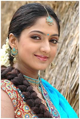 sheela latest hot exposing stills~www.telugubhamalu.blogspot.com