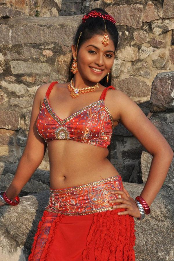 tamil actress Anjali hot navel show pics