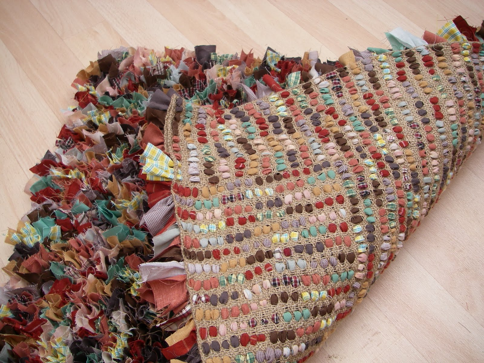 Stitchin\' The Day Away: Rag Rug Tutorial