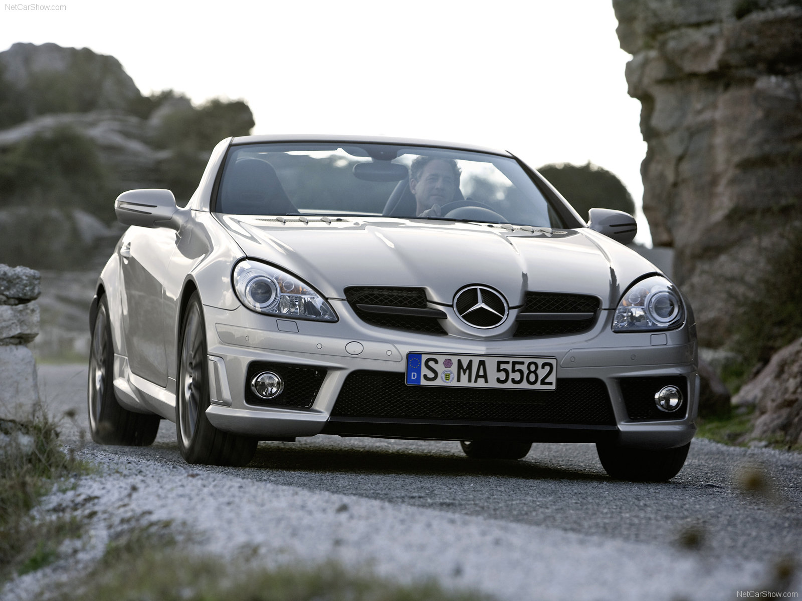 http://4.bp.blogspot.com/_cLWqMZQ1CPk/TUFtzJrTUaI/AAAAAAAAG0c/YljWo26OBqM/s1600/Mercedes-Benz-SLK_55_AMG_2008_1600x1200_wallpaper_01.jpg