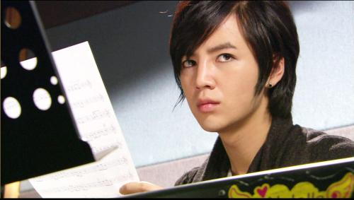 ... handsome actor jang geunsuk of sbs drama you re beautiful was taken to