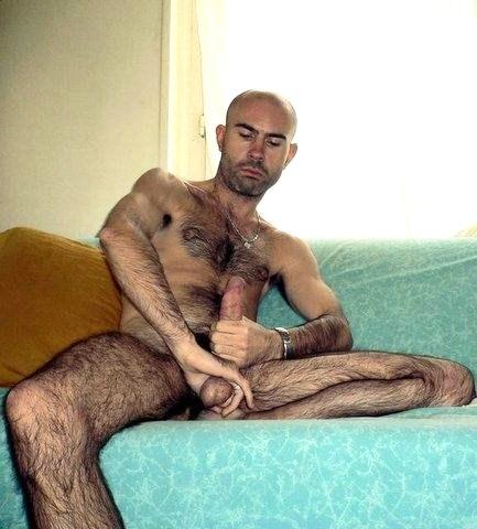 couilles pendantes grosse bite d arabe gay