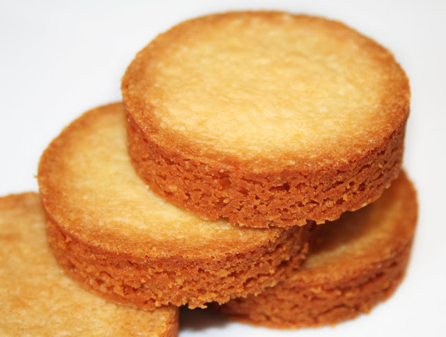 La cuisine de bernard palets aux amandes - La cuisine de bernard tarte au citron ...