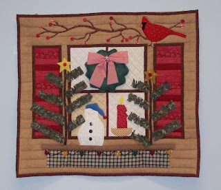 Debbie Mumm Christmas quilt - click for larger view