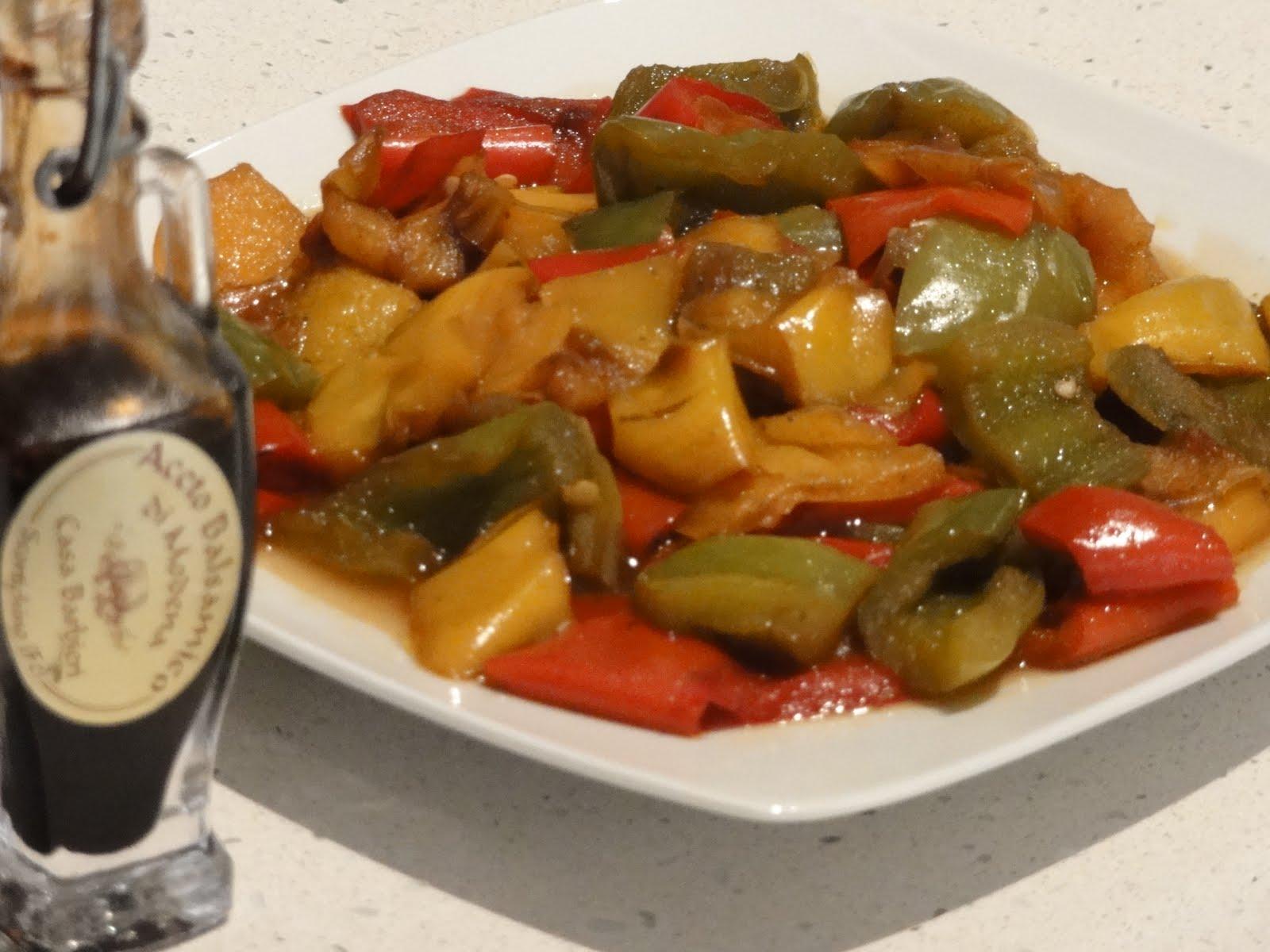 Blog di cucina di Aria: Peperonata all'aceto balsamico