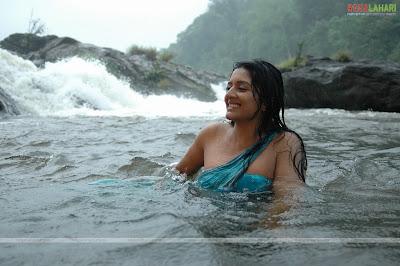 vimalaraman, vimalraman hot pictures, vimala raman spicy gallery, vimalaraman sexy pictures