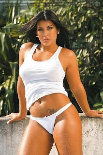 Fotos de Priscila na Revista Vip
