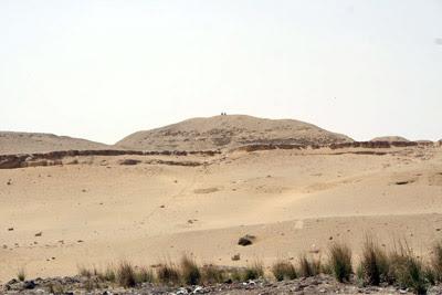 هرم الملك خع-با egypt_07_5.jpg