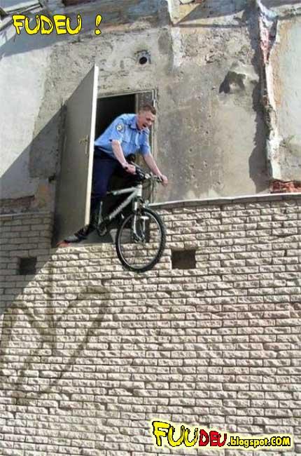 Fuudeu... armadilha para policial