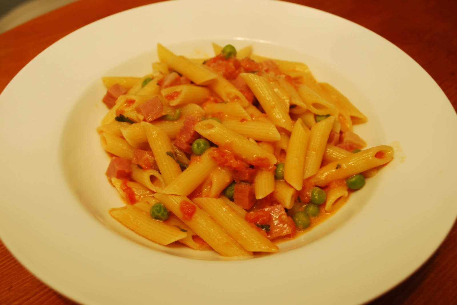 ... This and That: Penne Vodka with 3 P's - Prosciutto, Pancetta, and Peas