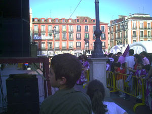 La Plaza Mayor preparada para la fiesta