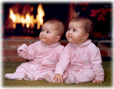 cute baby wallpapers. Download Twins Baby Wallpapers