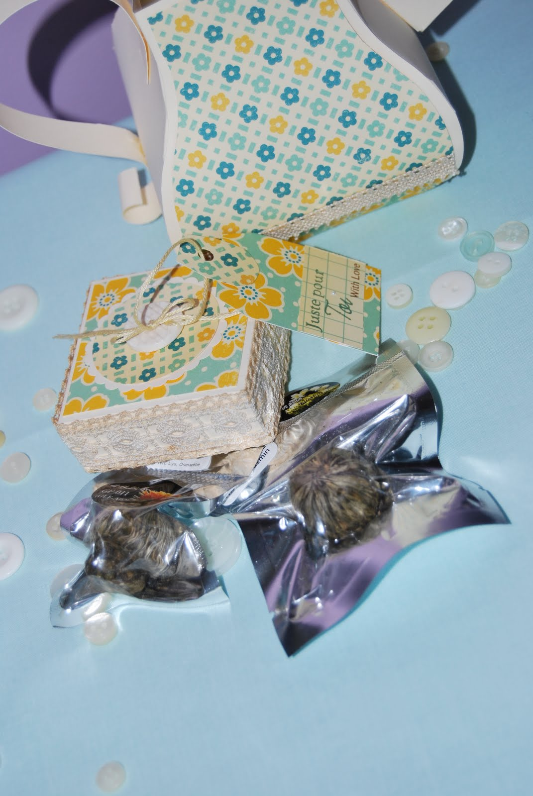 Feebellescrap pour offrir des fleurs de th for Offrir des fleurs par internet