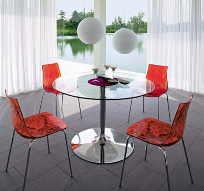 Masa si scaune Planet cu design italian