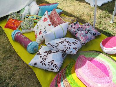 almohadones - Fotos de la Feria