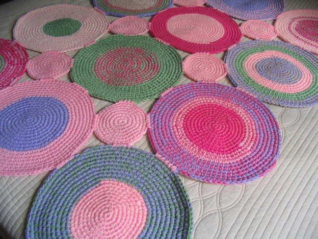 Puerta al sur cuartos infantiles decorados con alfombras tejidas a crochet - Alfombras a mano ...