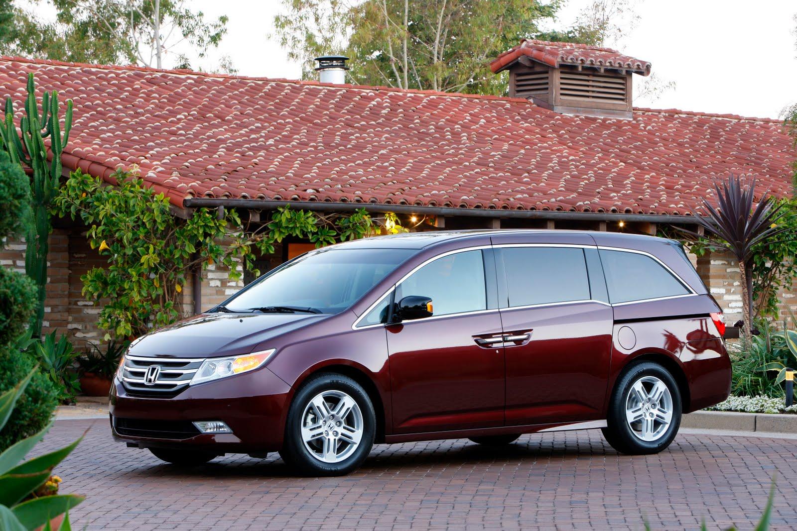 Minivan Envy: The 2011 Honda Odyssey