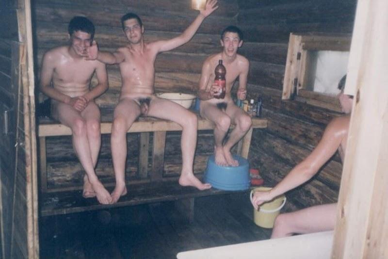 Парни Моются В Бане Сауне