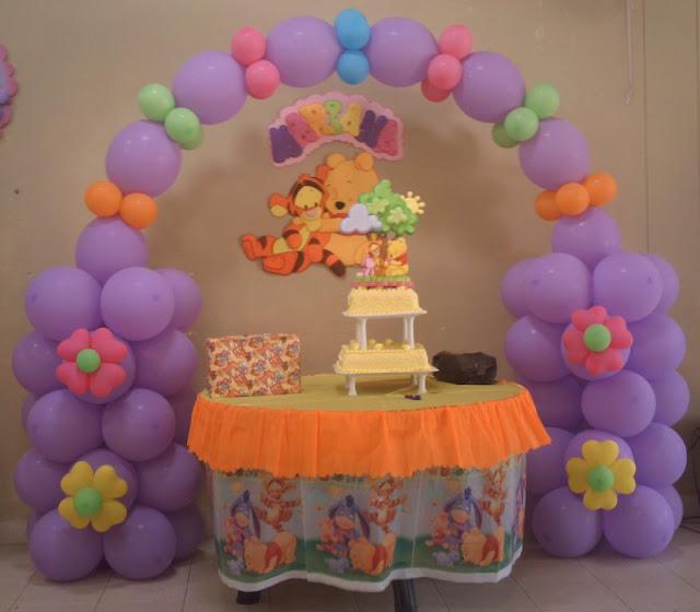 Light goes decorating winnie pooh for Cuarto winnie pooh