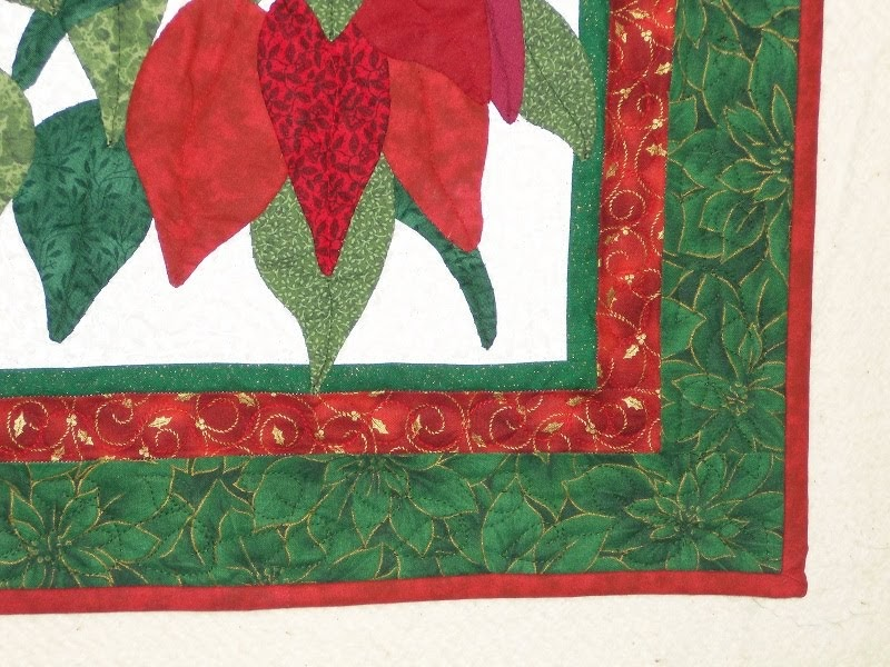 Beaquilter Christmas Poinsettia Applique Wall Hanging