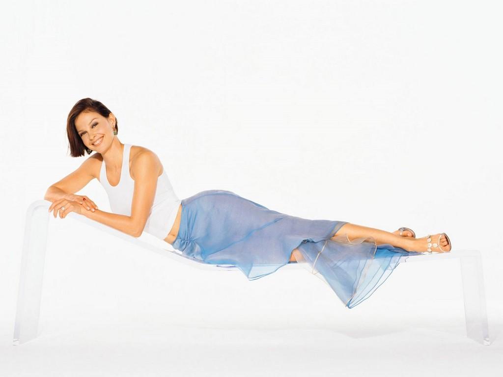 http://4.bp.blogspot.com/_cZuaghvCasw/TEVCoMgIw4I/AAAAAAAAHoE/_t4WlDPLAqU/s1600/Ashley-Judd-08.jpg