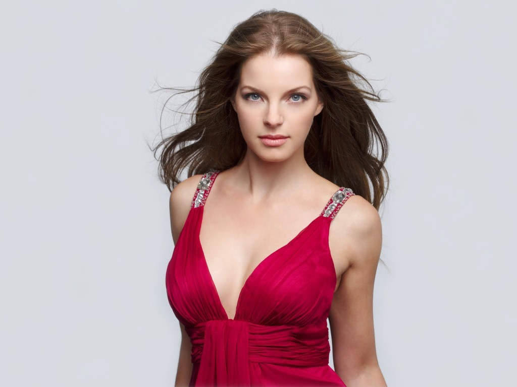 News Times Yvonne Catterfeld Hot Red Top