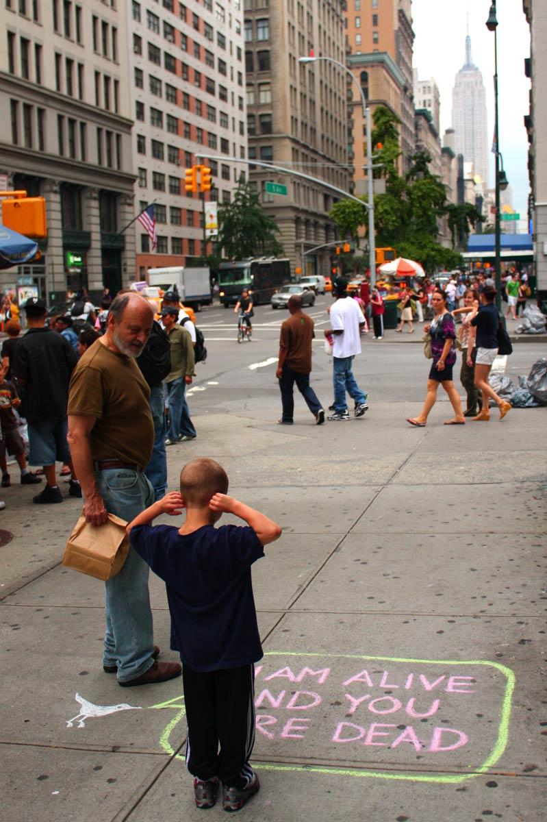 [sidewalk-tweets-imalive3.jpg]