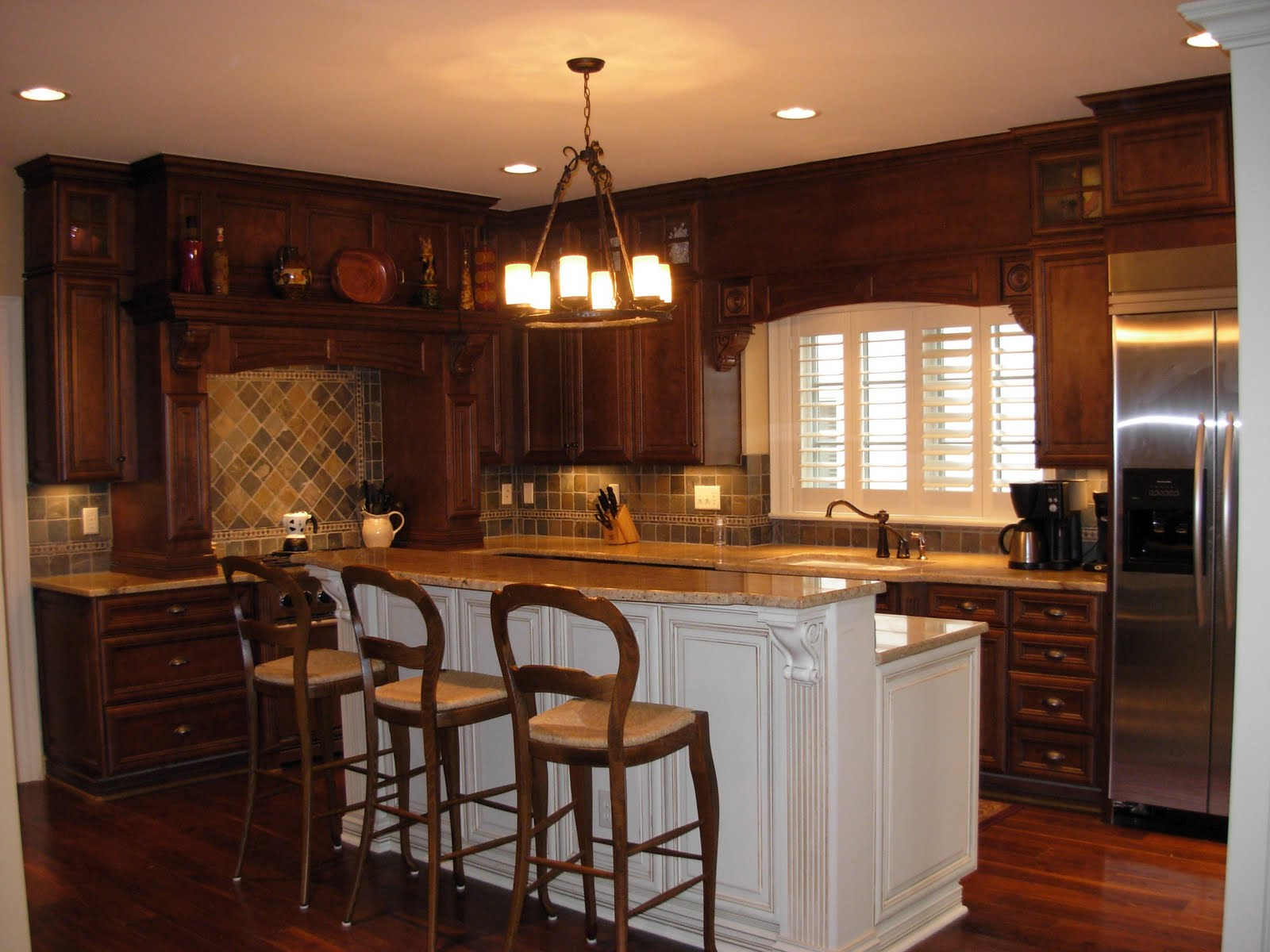 American kitchen corporation for Kitchen designs american style