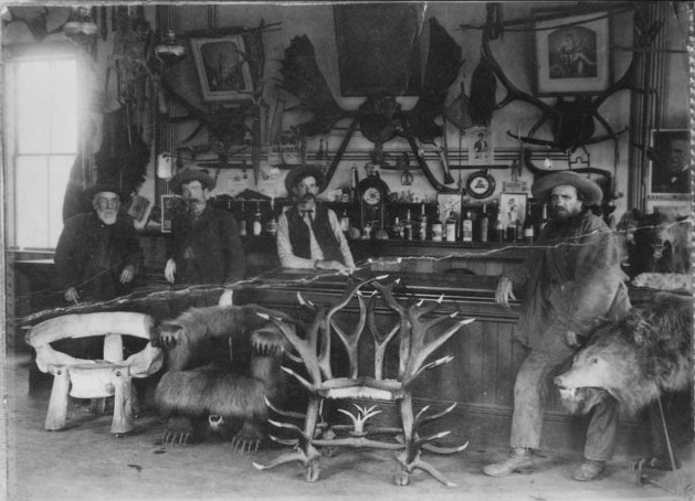 Buddies in the saddle old west saloons - Dessin saloon ...