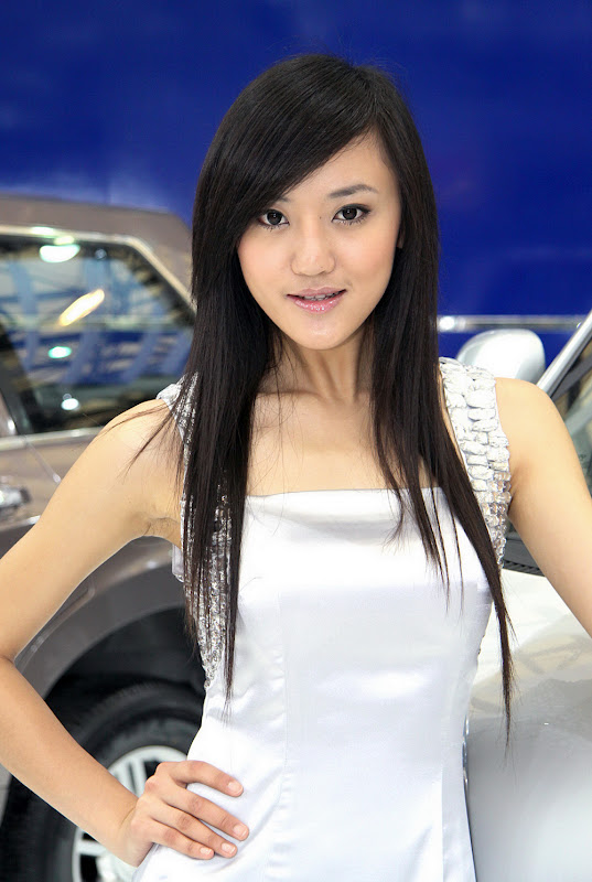 Sexy Babes of the Shanghai Auto Show Part II