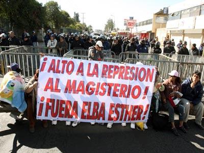 Destituyen disidentes a Juan Durán, por traidor