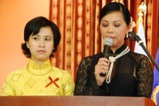 MC Nguyễn Khoa Diệu Thảo và MC Nguyễn Khoa Diệu Quyên