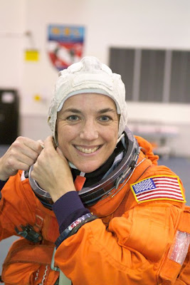 Heidemarie Stefanyshyn-Piper in training.  CREDIT: NASA IMAGES