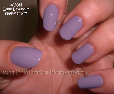 Lila oje: AVON Luxe Lavender.
